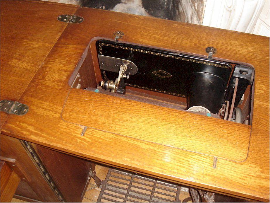 Machine coudre singer 15k88 - Meuble machine a coudre singer ...